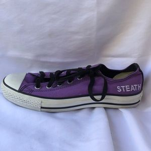 Purple men's converse